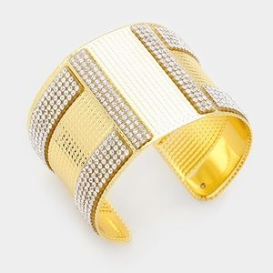 Crystal lined metal cuff bracelet